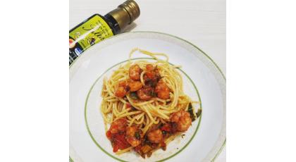Spaghetti aux crevettes et à l'huile d'olive Saltis